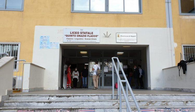 A Portici, il botta e risposta della preside del Flacco con gli alunni della Prima C, sulla Dad e sull'esigenza di una scuola in presenza