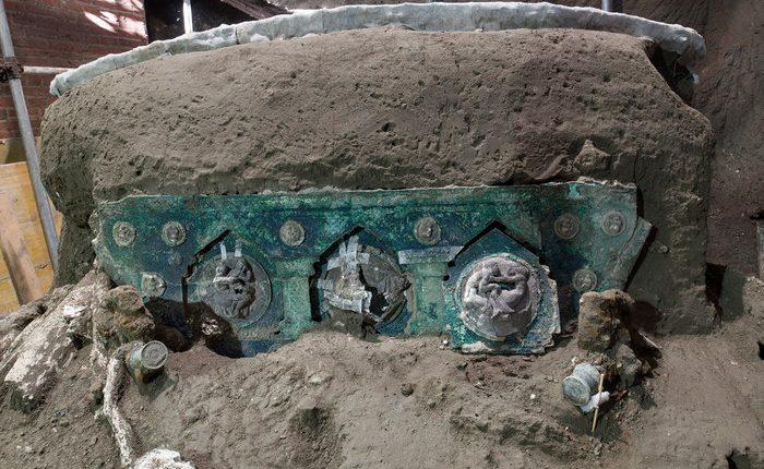 Eros e nozze, ritrovato a Pompei un carro unico sottratto ai tombaroli