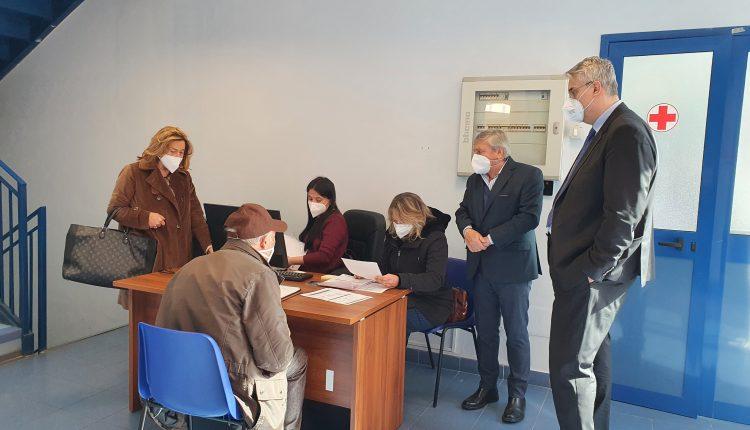 """Al via il polo vaccinale a San Giorgio a Cremano: vaccinati i primi ultra ottantenni. Il sindaco Zinno:""""Apertura in tempi record"""""""