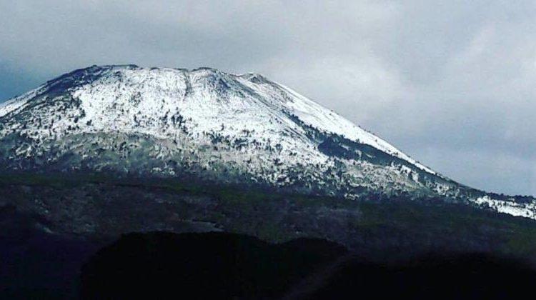 Ondata di freddo e gelo su tutta la Campania: neve sul Vesuvio e nelle zone interne del Matese, Irpinia e Sannio