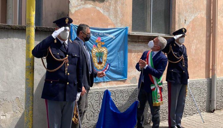 Ottaviano ricorda con una targa Luigi Carbone il poliziotto ucciso nel sequestro Cirillo