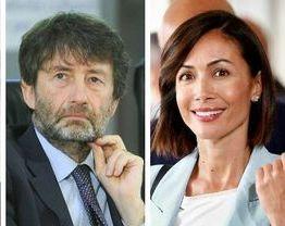 """La ministra Mara Carfagna: """"Il Piano nazionale di ripresa e resilienza finanzierà recupero del Real Albergo di Napoli"""""""