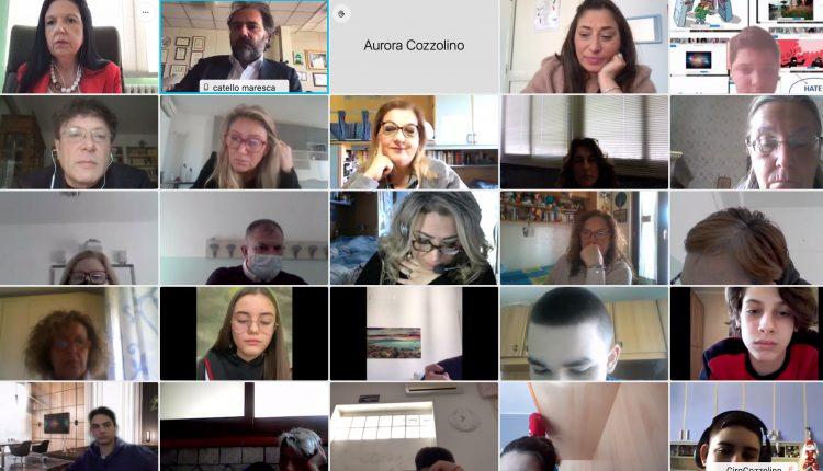 Cento studenti di Ponticelli dell'istituto comprensivo Marino Santa Rosa a lezione col magistrato Catello Maresca su bullismo e cyberbullismo