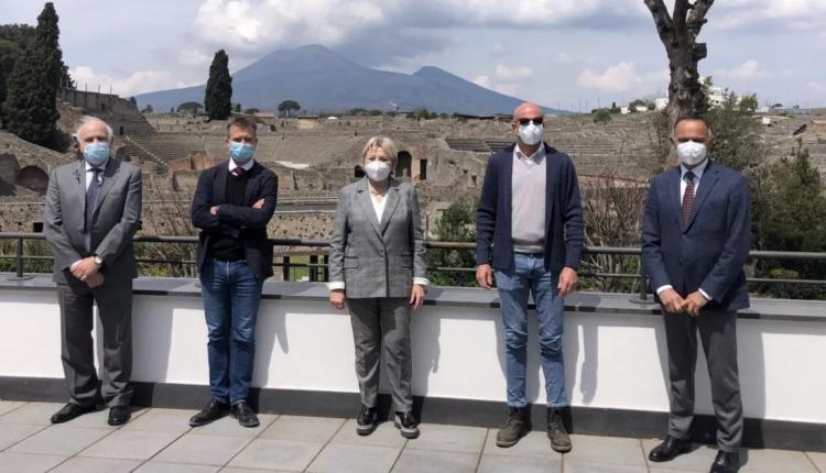 """Ecco il """"Laboratorio per il paesaggio vesuviano"""" – Pompei ed Ercolano, patto per le scuole tra didattica e laboratori con i Parchi Archeologici"""
