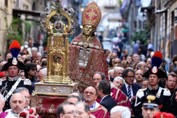 Emergenza Covid e San Gennaro: per il secondo anno annullata la processione di maggio