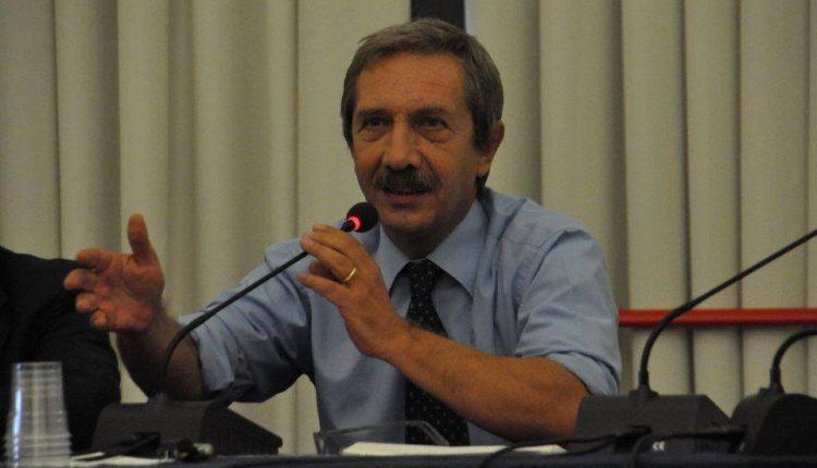 """""""In ricordo di Ernesto Paolozzi, filosofo gentile"""": commemorazione in piazzetta Fuga al Vomero"""