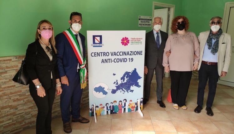 """Inaugurato a Cercola il centro vaccinale anti covid, il sindaco Fiengo: """"A regime trecento vaccini al giorno. Grazie a tutta la maggioranza abbiamo raggiunto un altro traguardo per la città"""""""