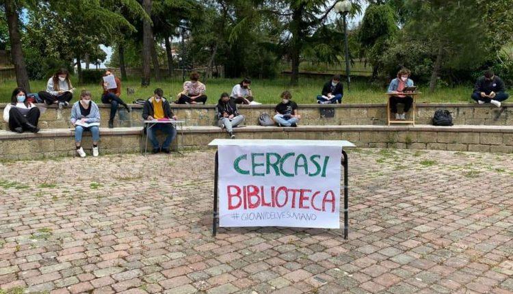 SOS BIBLIOTECHE COMUNALI – In molti Comuni dell'hinterland vesuviano non esistono spazi destinati allo studio dei giovani. In altri ci sono ma restano chiusi