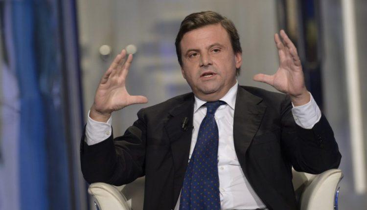 """Verso le amministrative a Napoli Il leader di Azione e candidato a Roma appoggia Bassolino: '""""Dopo disastro de Magistris abbiamo bisogno di persone capaci"""""""