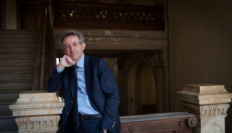 """ELEZIONI AMMINISTRATIVE A NAPOLI – L'ex Rettore Gatenao Manfredi presenta la sua candidatura: """"Liste pulite e apertura alla città, l'ultima parola spetta a me"""""""