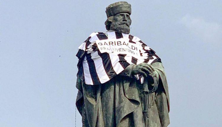 """Garibaldi juventino, polizia sequestra striscioni, maglia e identifica attivisti. Napoli Capitale: """"Pieno rispetto delle Forza dell'Ordine che fanno il loro lavoro ma nessuno ci intimidisce. Non è più tempo di oppressori e sfruttatori"""""""