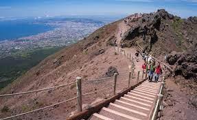 Strada di accesso al Vesuvio: da oggi riparte la sosta a pagamento
