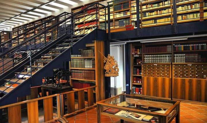 A San Giorgio a Cremano riapre in sicurezza e con prenotazioni la Biblioteca Comunale Padre Alagi in Villa Bruno: l'annuncio del sindaco Zinno