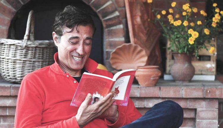 A Volla sono protagonisti i libri: A Rezza, lo scrittore Agostino Ragosta, poeti, autrici e insegnanti di Volla, mettono realizzano la prima rassegna della letteratura indipendente nella Dubai vesuviana