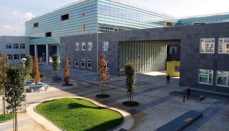Apple investe ancora in Academy Napoli, programmi fino a 2025. Il colosso americano lancia Alumni, il sostegno agli ex studenti