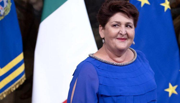 La viceministra Teresa Bellanova ad Ercolano per parlare di infrastrutture e mobilità