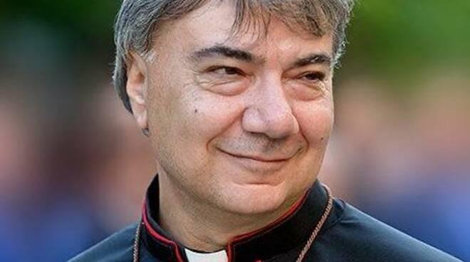 """NAPOLI INSANGUINATA – L'urlo del Vescovo di Napoli don Mimmo Battaglia """"I camorristi stanno uccidendo Napoli, convertitevi"""""""