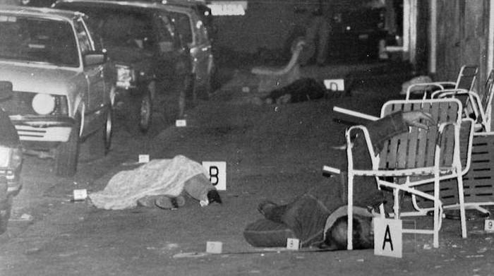 POLVERIERA PONTICELLI – Dopo l'ennesimo morto innocente, la città in piazza contro la camorra: nel giorno dell'anniversario della strage al bar Sayonara