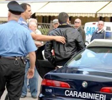 Scippa una collanina a un'anziana a Sant'Anastasia, arrestato dai carabinieri