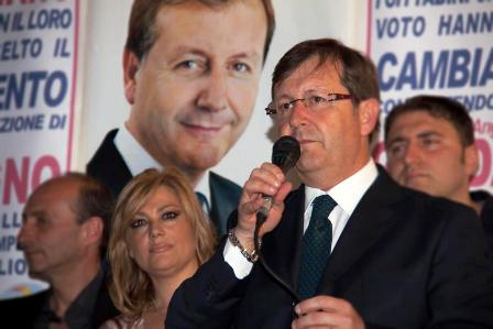 Volla. Crisi in maggioranza per Guadagno. A settembre si andrà al voto