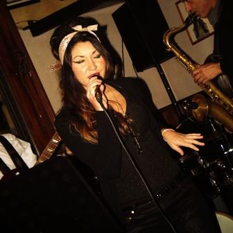 """Per non dimenticare Amy Winehouse, l'8 marzo al Blue Sound di Nola i """"Frankly"""""""