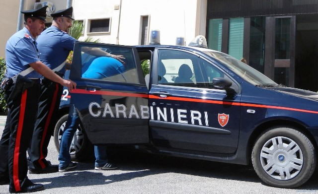 Racket a imprenditore napoletano:cinque arresti eseguiti dall'Antimafia