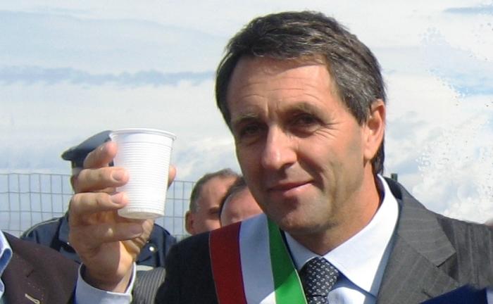 Il consiglio comunale di San Sebastiano chiamato a votare l'incompatibilità del sindaco Capasso che così potrebbe candidarsi alle regionali