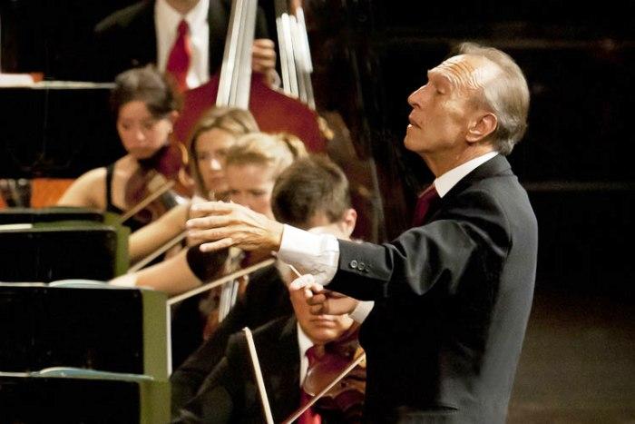 Con l'Eroica di Ludwig Van Beethoven, il 27 febbraio il San Carlo ricorda il maestro Abbado: ingresso libero fino ad esaurimento posti