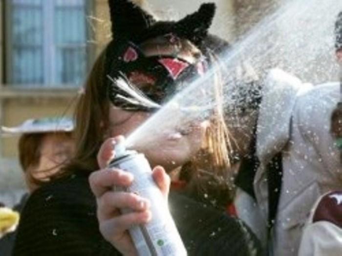 Il sindaco Mimmo Giorgiano vieta la vendita e l'uso di bombolette spray
