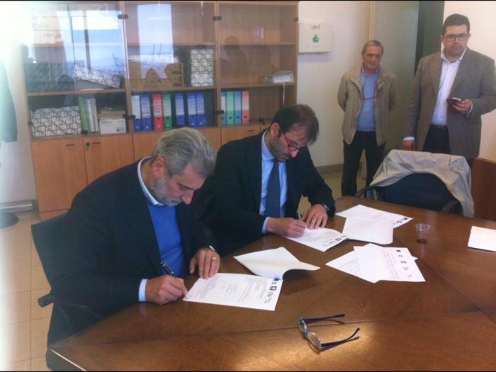 Waterfront: via libera alla riqualificazione. Il sindaco Marrone firma l'accordo con la Regione Campania