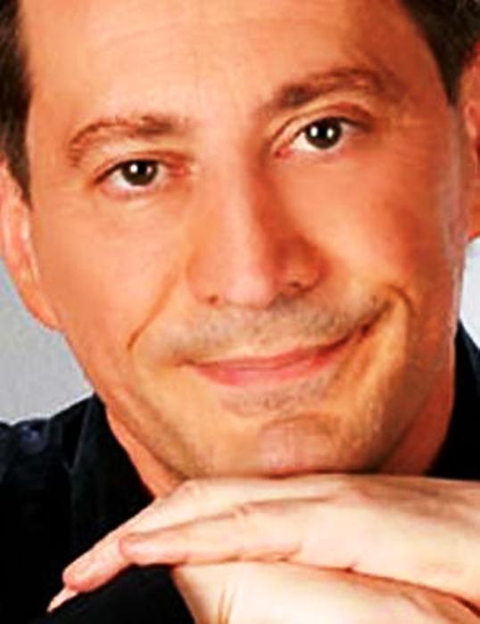 """""""Sesso, rose e terapia"""", Davide Ferri al Teatro Totò fino all'otto febbraio"""