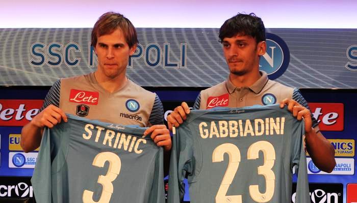 Stasera al San Paolo il Napoli vuole battere la Juve, ricordando Pino Daniele