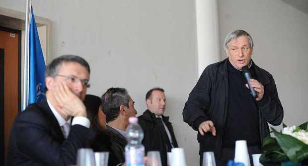 A Don Ciotte, Raffaele Cantone e Pif il premio per la legalità Don Diana