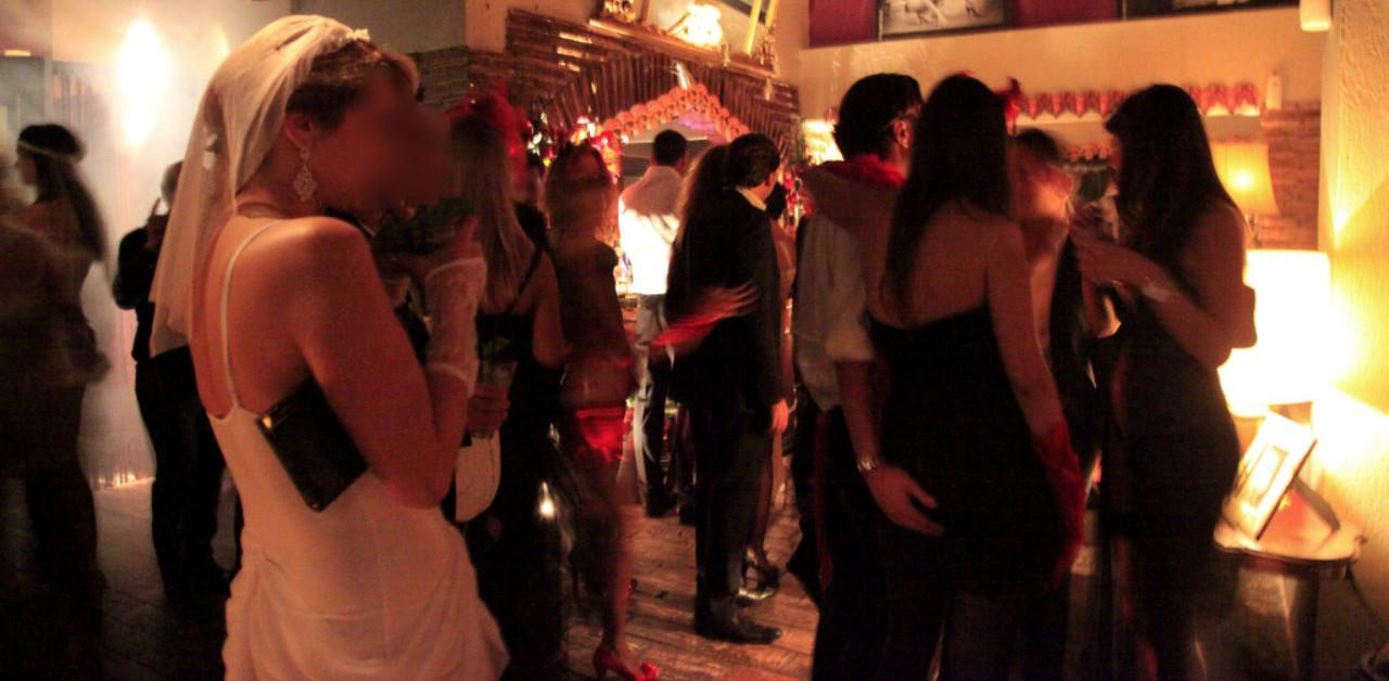 Coppie vere e finte si prostituivano nei Club Scambisti: un arresto a Sant'Anastasia