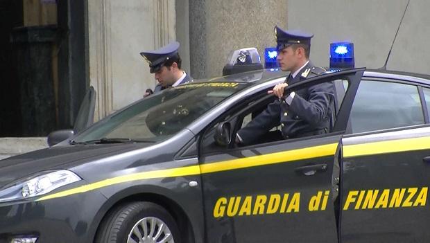 Sequestrati 65mila gadget falsi di Juve, Milan e Napoli