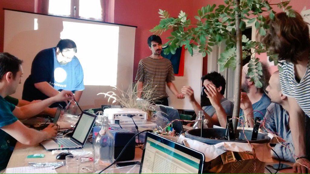 Napoli capitale dell'Hackathon maker più grande in Italia. Alex Giordano protagonista e incursore notturno a Napoli