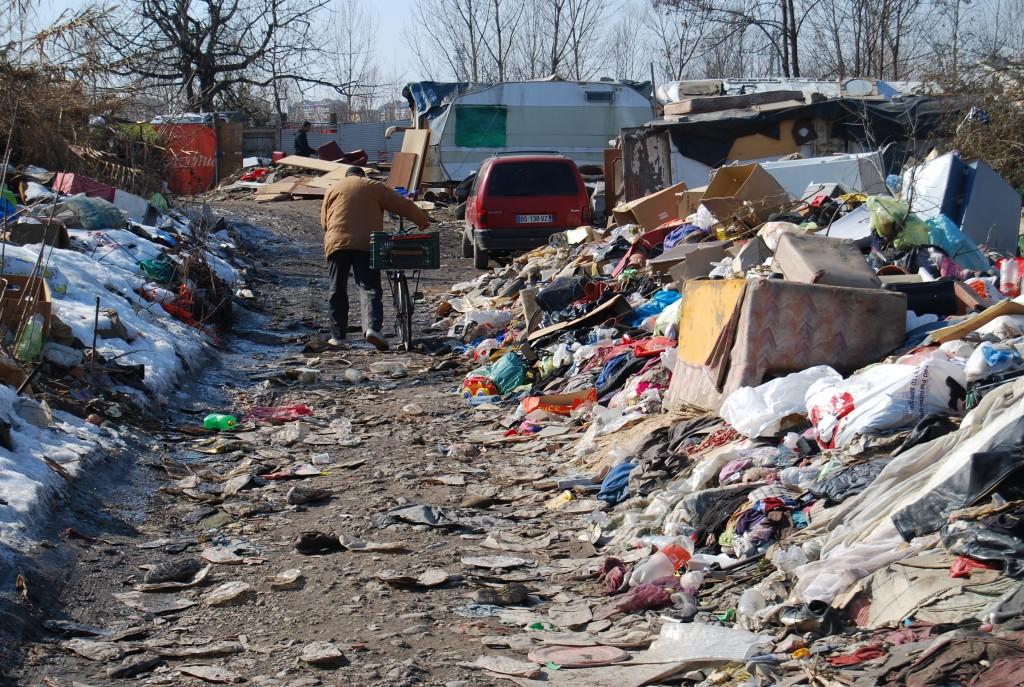 Napoli, campi rom: stanziati dal Parlamento sedici milioni di euro trasferiti alla Prefettura