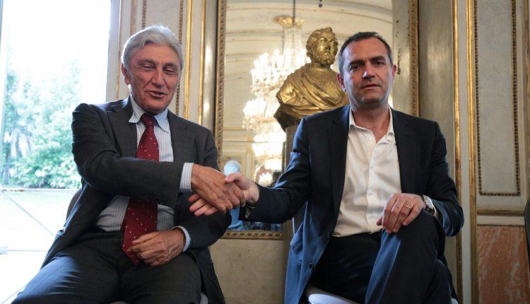 """Bassolino contro de Magistris su Fb: """"Agitatore che copre inadempienze"""""""