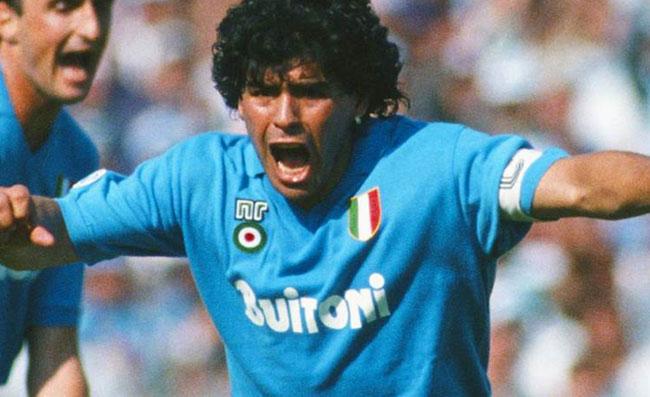 """Maradona il 4 luglio a Napoli, il sindaco de Magistris: """"in città per ricevere la cittadinanza onoraria"""""""