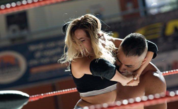 Ciak a Napoli film sulla prima wrestler italiana:lastoria di Miss Monica, dall'Abruzzo agli Usa passando per San Giorgio a Cremano