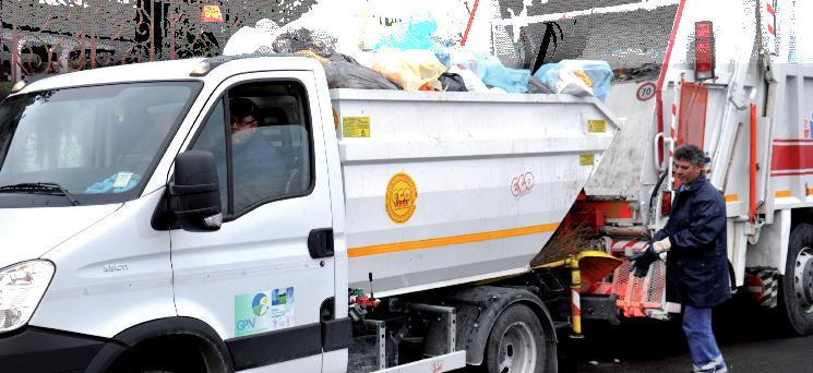 Sulla gestione rifiuti a Ottaviano, l'opposizione invia gli atti in Procura e alla Corte dei Conti