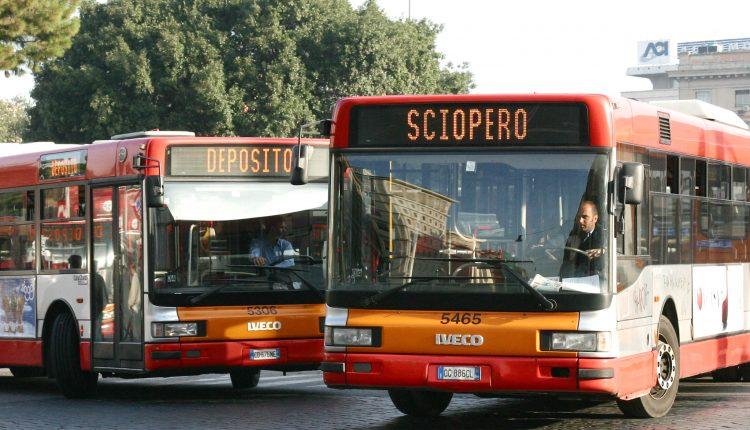 Scioperodei trasporti:venerdì nero a Napoli e in Provincia