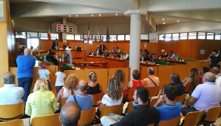 LA RACCOLTA FIRME –  A Portici l'opposizione propone di spostare la sede del consiglio comunale da Palazzo Campitelli alla sede dell'ex tribunale al centro della città