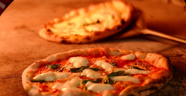Arriva la giornata mondiale del pizzaiolo: sarà il 17 gennaio, come l'antica tradizione