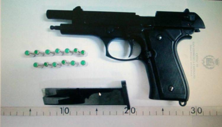 La Polizia Municipale blocca una babygang:denunciati tre minorenni: equestrati coltelli e una pistola a salve