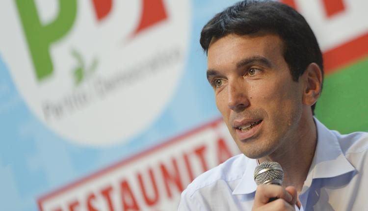 """Napoli, l'appello dei circoli del Pd al segretario Martina: """"Si lavori subito ad un organismo per la ricostruzione del partito"""""""