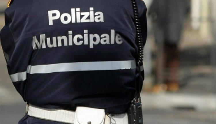 INTERVENTO INTERFORZE POLIZIA LOCALE ED ESERCITOControllate diverse attività a Volla