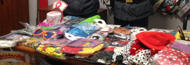 Giocattoli di Carnevale fuorilegge, sequestrati due milioni di pezzi a Nola