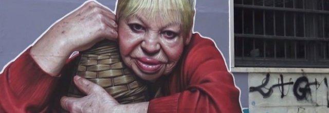 """Tarantina Taran"", ai Quartieri Spagnoli un murale per l'ultimo femminiello"