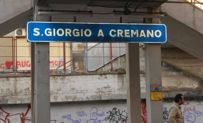 Circumvesuviana, donna violentata nell'ascensore della stazione a San Giorgio a Cremanoda tre giovani